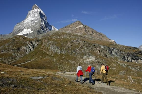 Nepal sherpas can't help clear Matterhorn trail after entry permit tangle