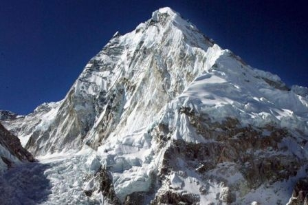 British chef to cook on top of Mount Qomolangma to set world record