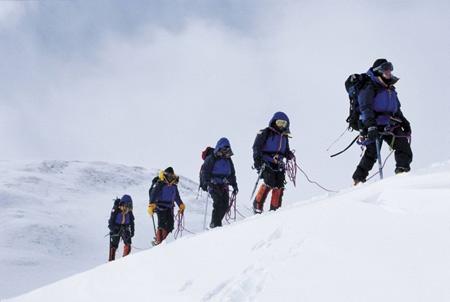 Mountaineering generates $50 mlllion revenue in Tibet