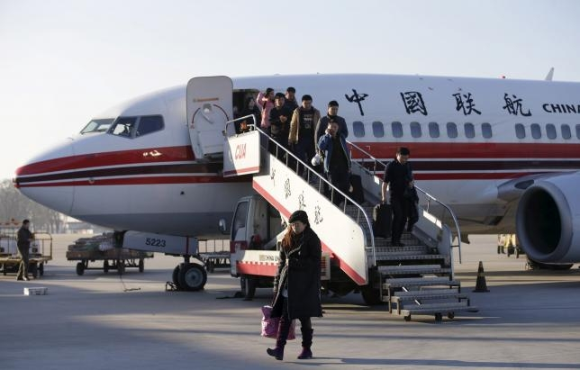 China's budget airlines spread wings, add routes