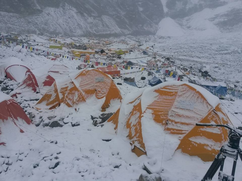More than 400 climbers scale Mt.Everest this year