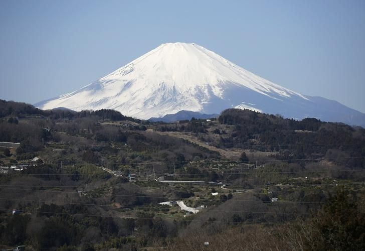 Mt Fuji becoming popular destination for foreign tourists