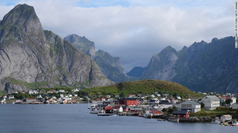 Norway tops the global happiness rankings for 2017